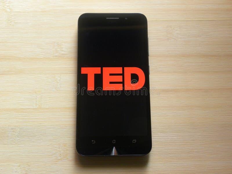 TED på smartphonen fotografering för bildbyråer