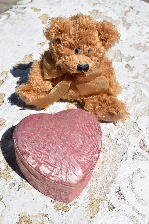 Teddy Bear Love lizenzfreie stockfotografie