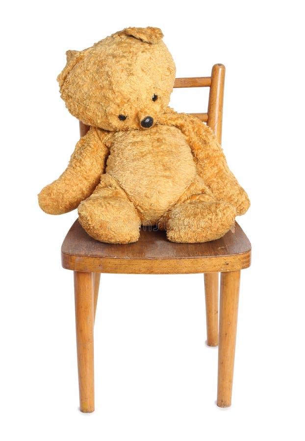 Teddybär betreffen Stuhl einen lizenzfreies stockbild