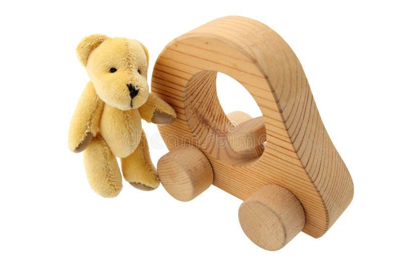 Teddybär mit seinem Auto lizenzfreies stockbild