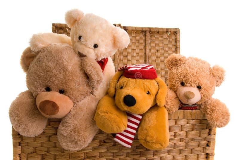 Teddys em uma caixa de brinquedo fotos de stock royalty free