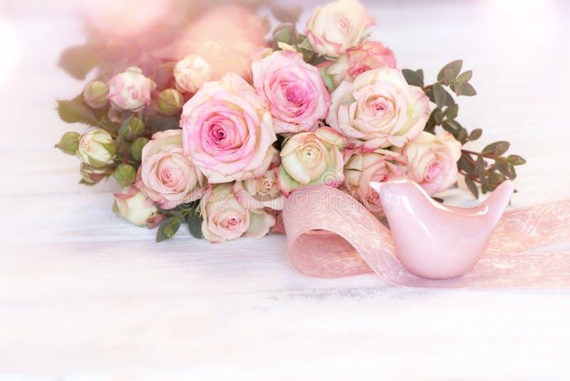 Tedere roze rozen voor moedersdag royalty-vrije stock foto's