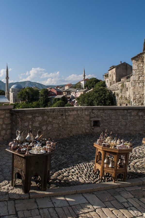 Tee, Kaffee, das Türkische, Handwerk, Andenken, Moschee, Minarett, Mostar, Bosnien, Herzegowina, Europa, Islam, Religion, Ort der lizenzfreie stockbilder