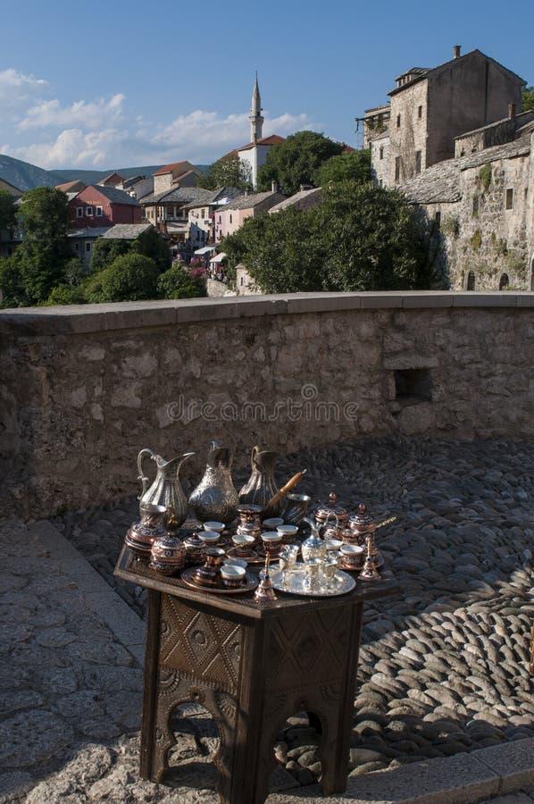 Tee, Kaffee, das Türkische, Handwerk, Andenken, Moschee, Minarett, Mostar, Bosnien, Herzegowina, Europa, Islam, Religion, Ort der lizenzfreies stockbild
