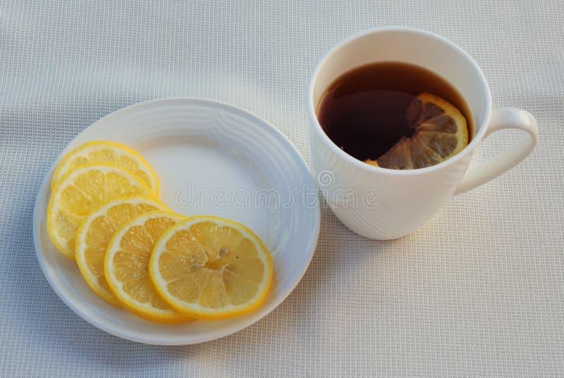 Tee und Zitrone stockfoto