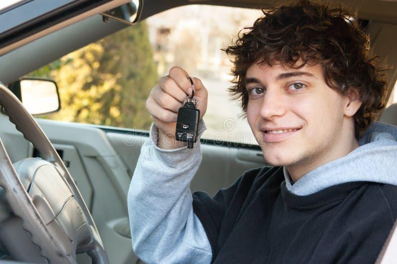 teen chaufför royaltyfria bilder
