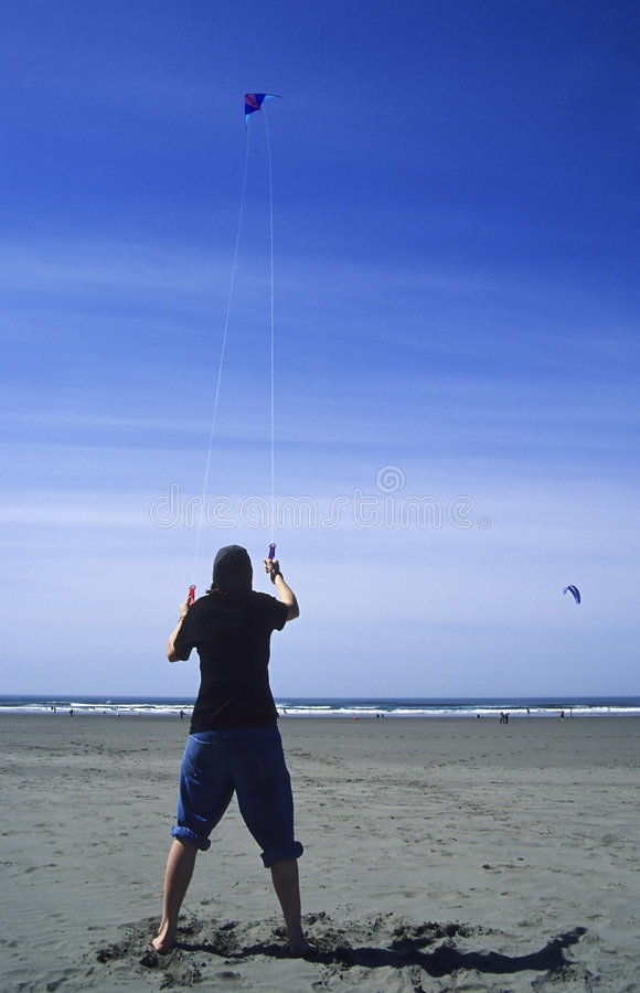 Download Teen flygdrake fotografering för bildbyråer. Bild av bränning - 43095