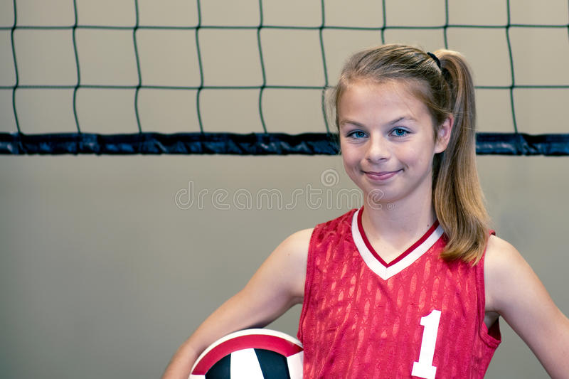 teenaged volleyboll för flickaspelare royaltyfri fotografi
