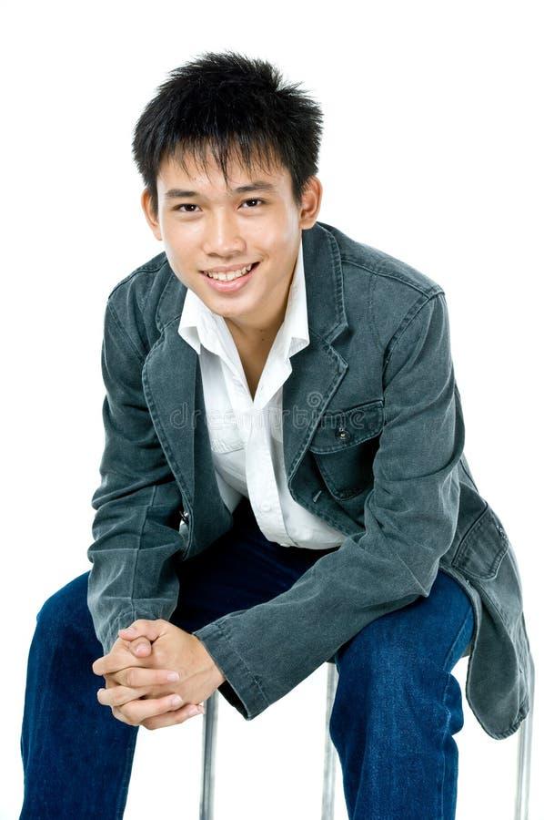 Download Teenager asiatico felice immagine stock. Immagine di freddo - 3141445