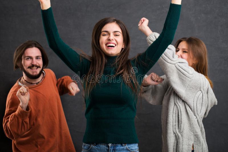 Teenager, der Spaß hat stockbilder