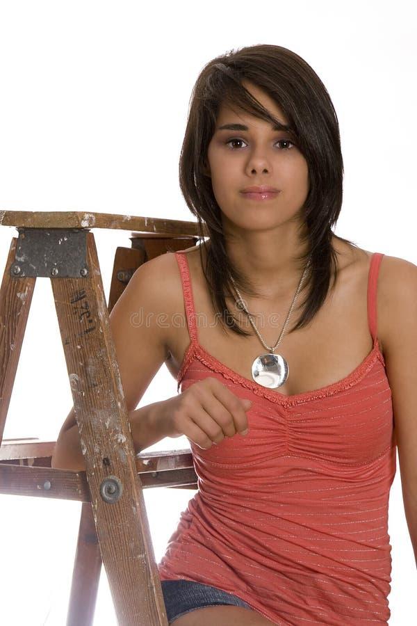 Teenager sulla scaletta fotografia stock