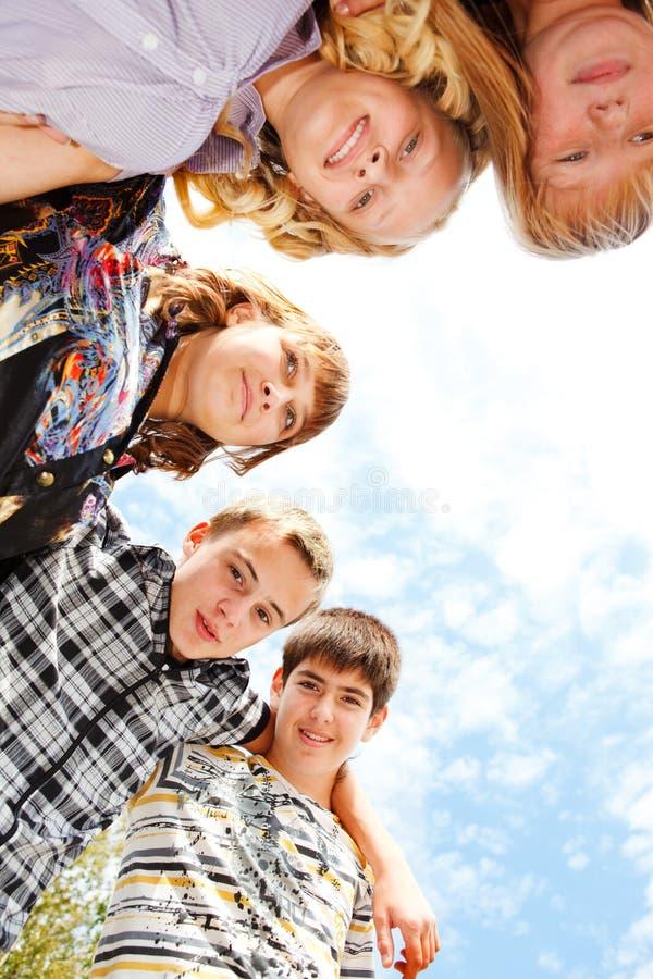 Teenagergruppe stockfotos