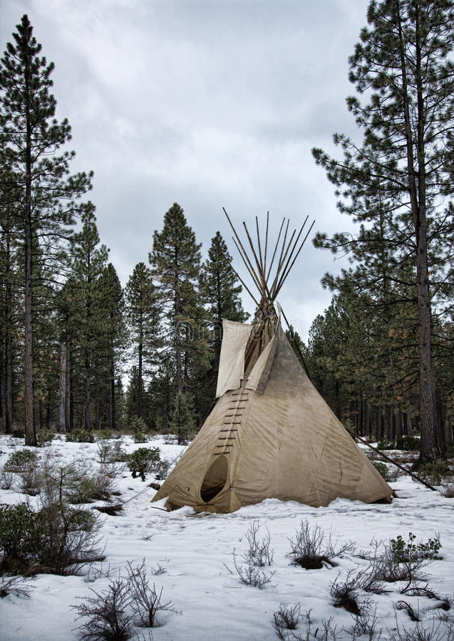 Free Teepee In Winter Royalty Free Stock Images - 20447079