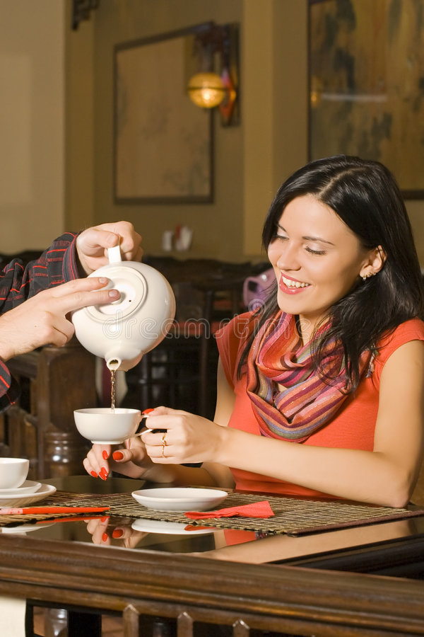 Teetrinken lizenzfreie stockfotos