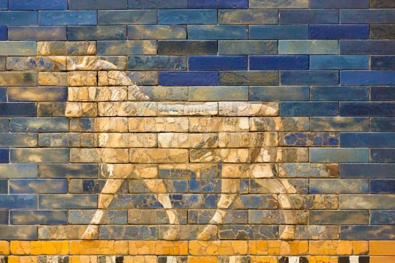 Tegelplattamodell av Babylon ` s den Ishtar porten inom det Pergamon museet Pergamonmuseum, Berlin, Tyskland - 6 Februari 2016 fotografering för bildbyråer