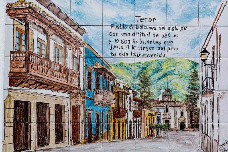 Tegels met de mening van een mooie oude stad van Teror, Gran Canaria, Spanje stock foto's