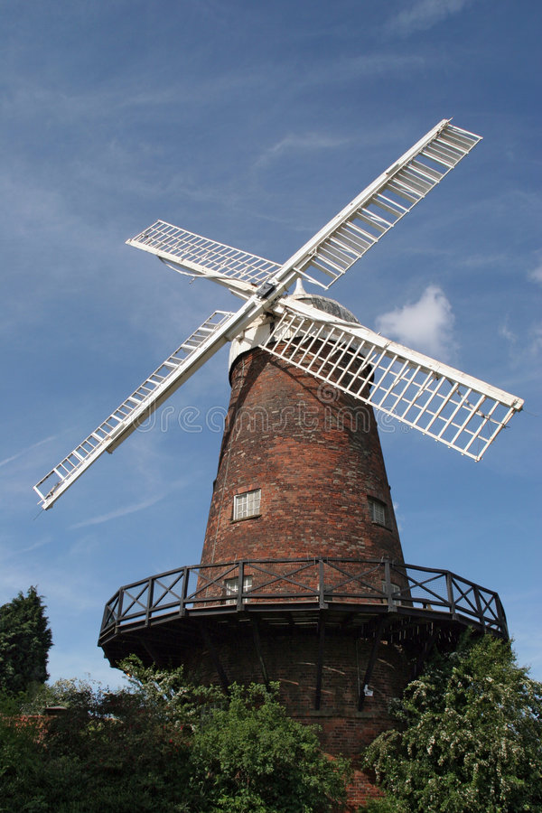 tegelstenredwindmill arkivbild