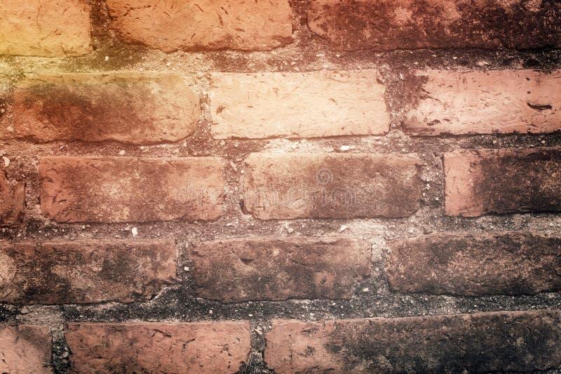 Download Tegelstenvägg fotografering för bildbyråer. Bild av sprucket - 37346005