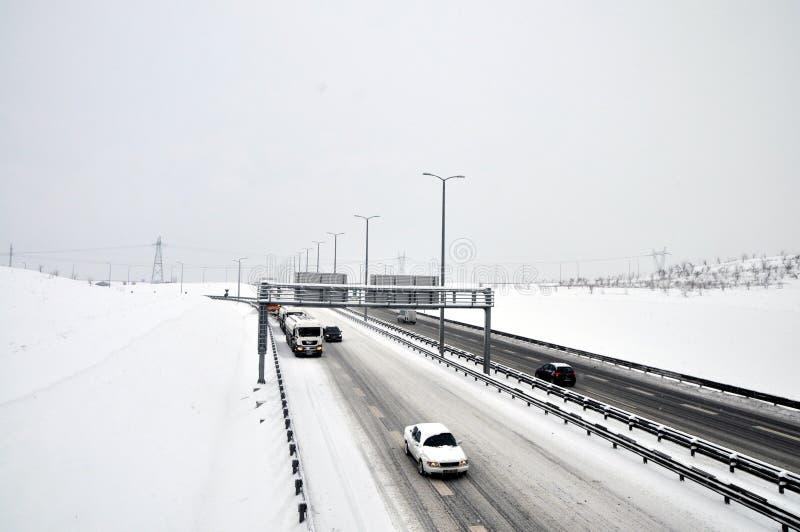 Tegenliggers in een sneeuwstorm stock afbeeldingen