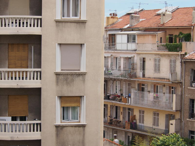 Tegenover elkaar stellende Franse Architectuur stock afbeelding