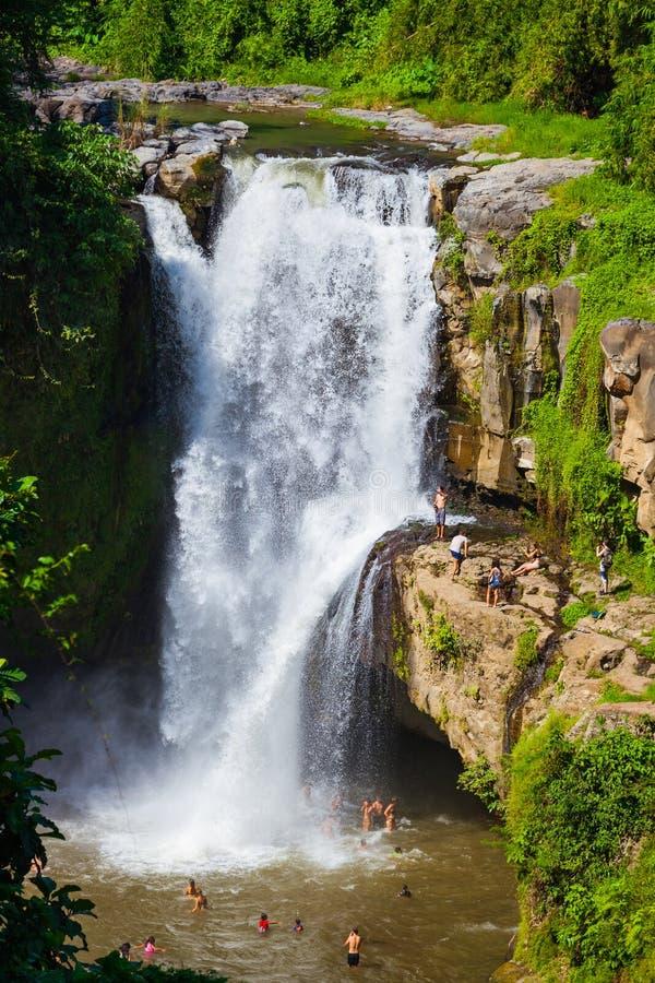 Tegenungan瀑布-巴厘岛印度尼西亚 库存图片