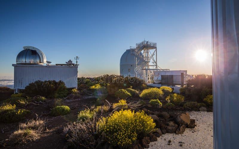 Teide astronomisch waarnemingscentrum in het Eiland van Tenerife royalty-vrije stock foto