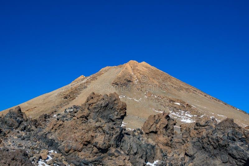 Teide halny szczyt z niebieskim niebem, ikonowy Tenerife zdjęcia royalty free