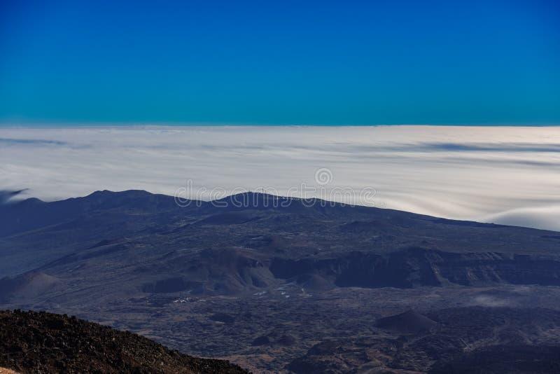 Teide obserwatorium na górze chmur, Tenerife, Hiszpania zdjęcie stock