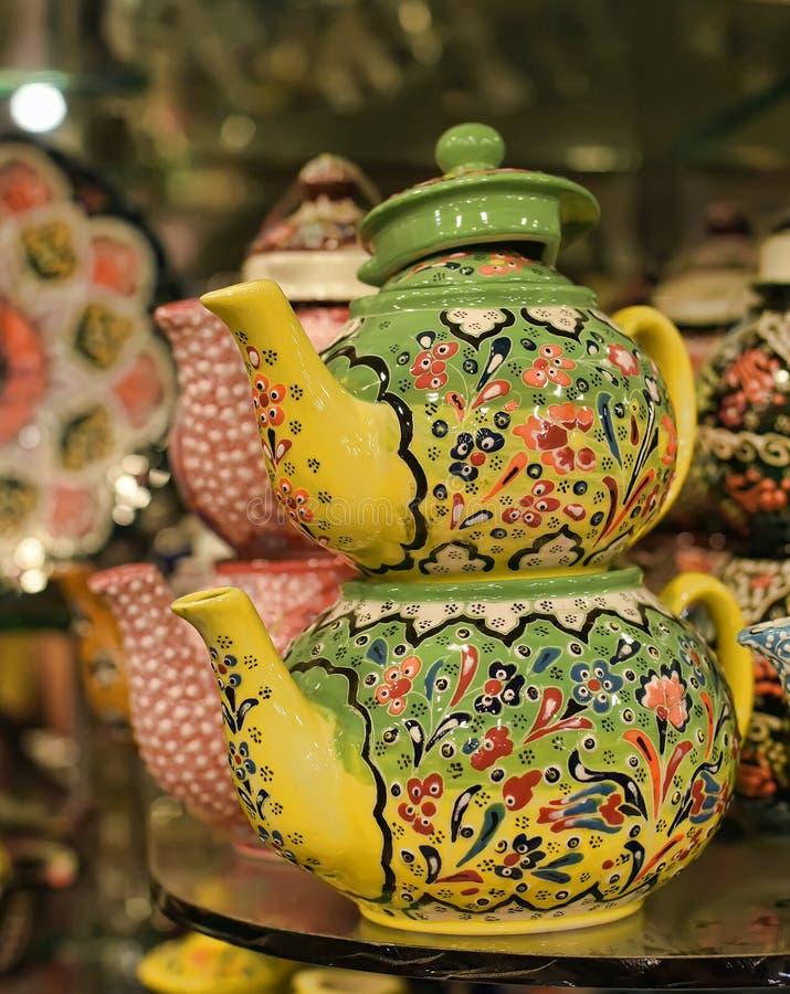 Teiera ceramica dipinta immagini stock libere da diritti