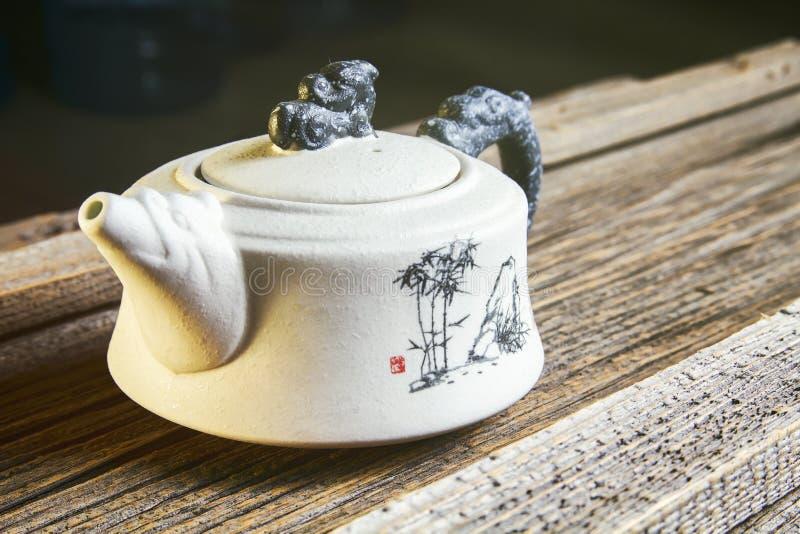Teiera cinese bianca immagine stock libera da diritti