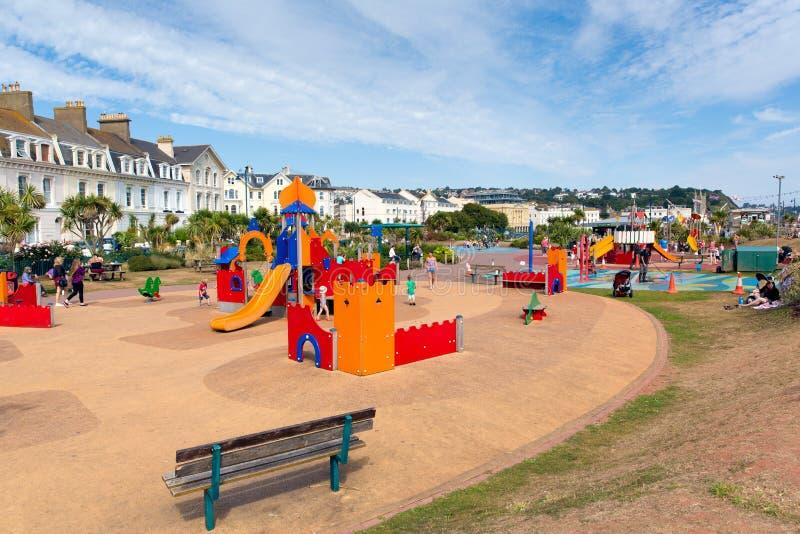 Teignmouth沿海岸区德文郡儿童的活动现场 免版税库存图片