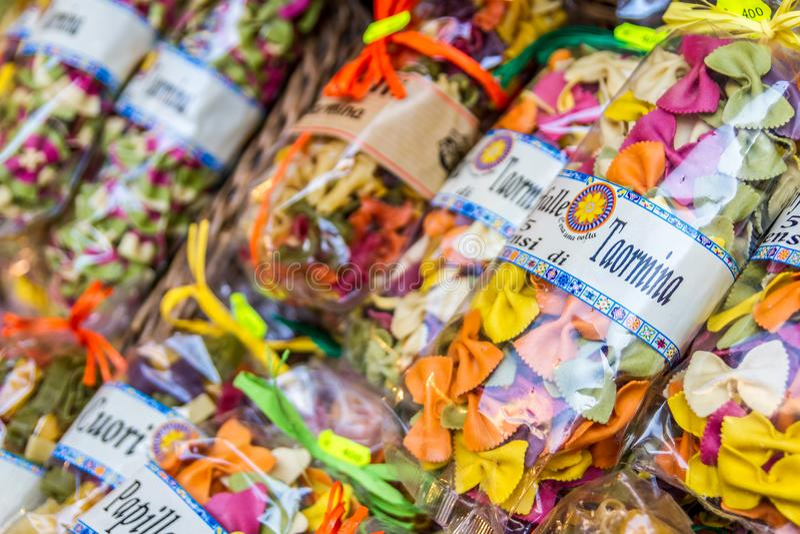 Teigwarentasche in Taormina lizenzfreie stockfotos