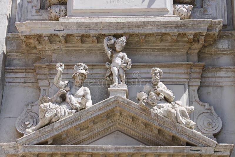 Teil der Fassade von Heilig-Moses-Kirche Basilica di San Moise lizenzfreie stockbilder