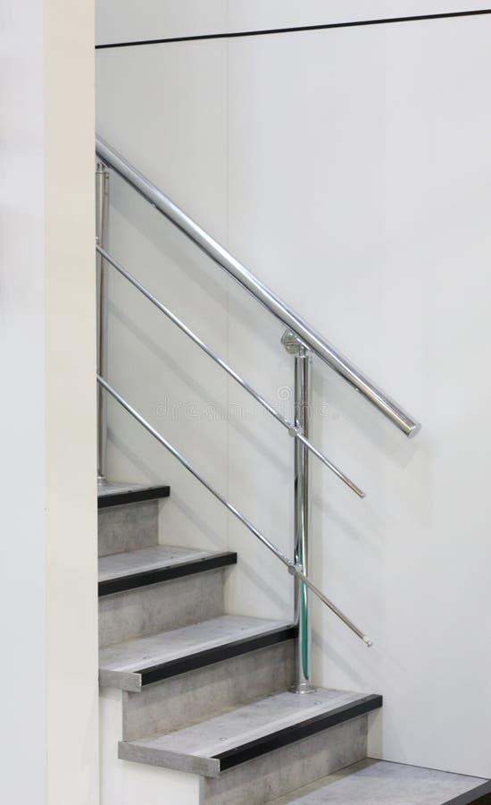 Teil der Treppe in der modernen Art Es gibt niemand auf der Treppe lizenzfreies stockfoto