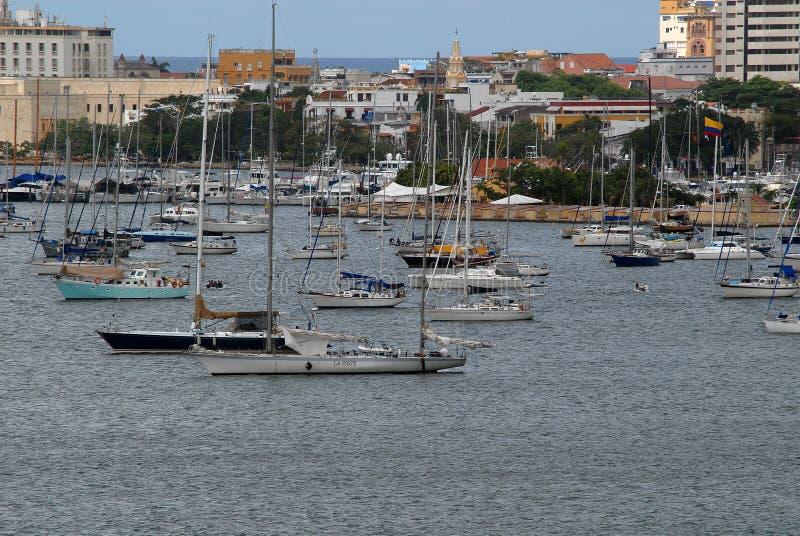 Teil des Bereichs, in dem einige der Yachten in Cartagena festmachten stockbild