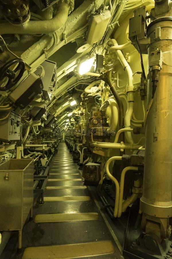 Teil des Maschinenraumes des atomgetriebenen Unterseebootes Redoutable Seemuseum zitieren de la Mer oder Stadt des Meeres in Cher lizenzfreies stockfoto
