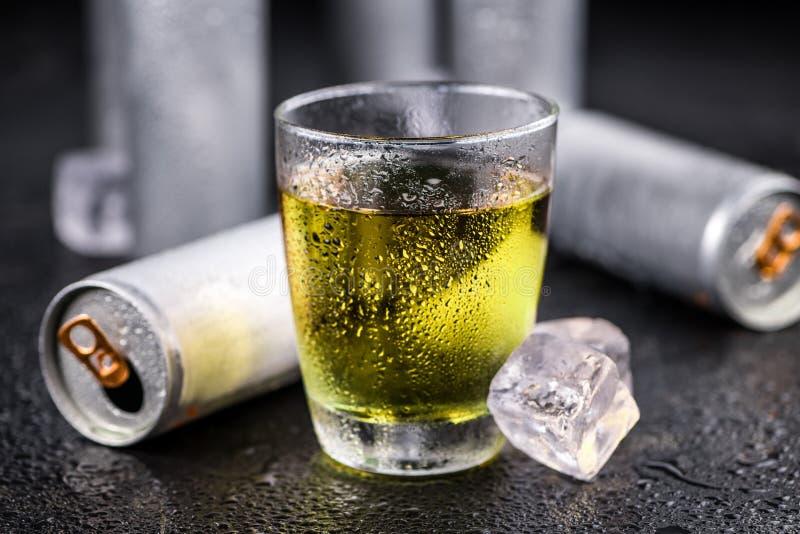 Teil Energie-Getränke, Selektiver Fokus Stockfoto - Bild von ...