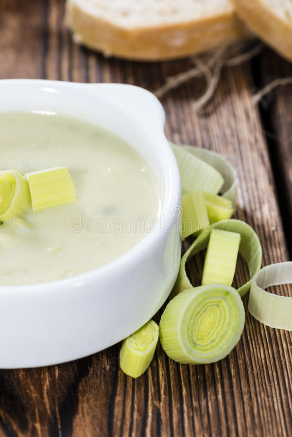 Teil Porree-Suppe stockbild