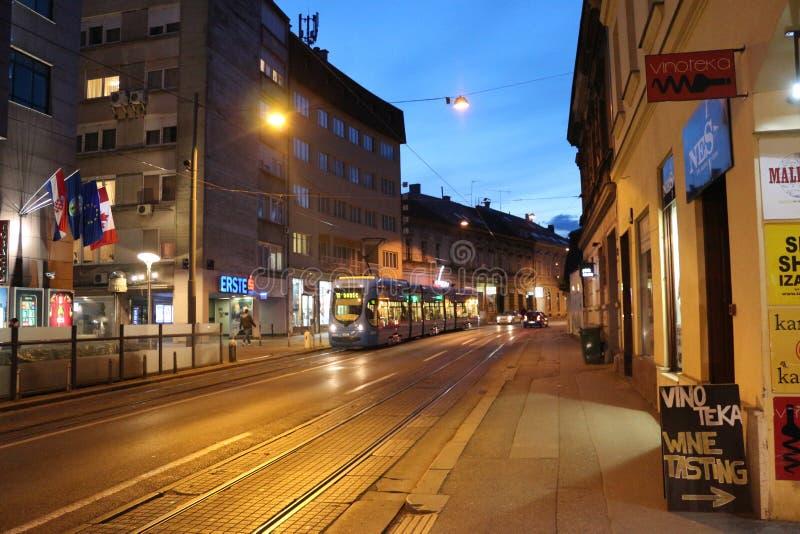 Teil von Zagreb vor Nacht stockfotografie