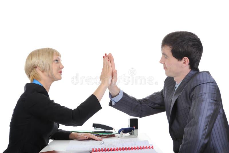 Teilhaber kommen zu einer Einigung. stockbilder