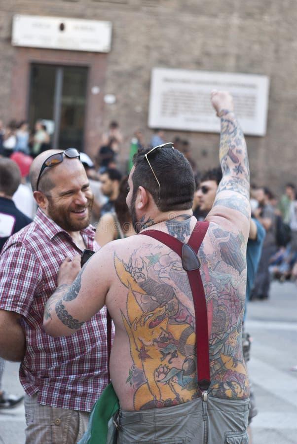 Teilnehmer An Homosexuellem Stolz 2012 Von Bologna Redaktionelles Bild
