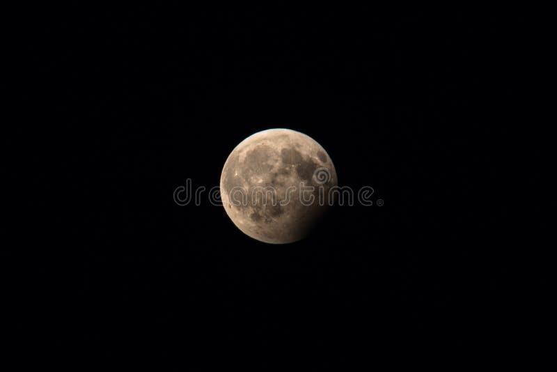 Teilweise Mondfinsternis am 7. August 2017 Regensburg, Deutschland stockbild