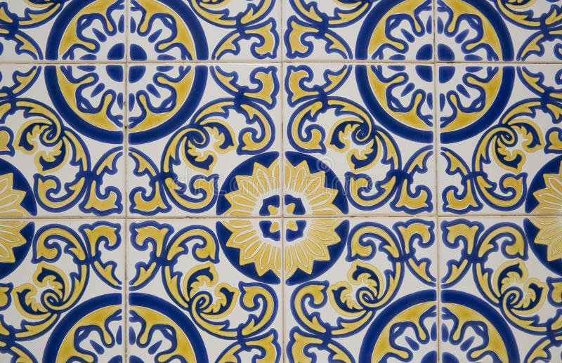 Teja portuguesa tradicional imagenes de archivo