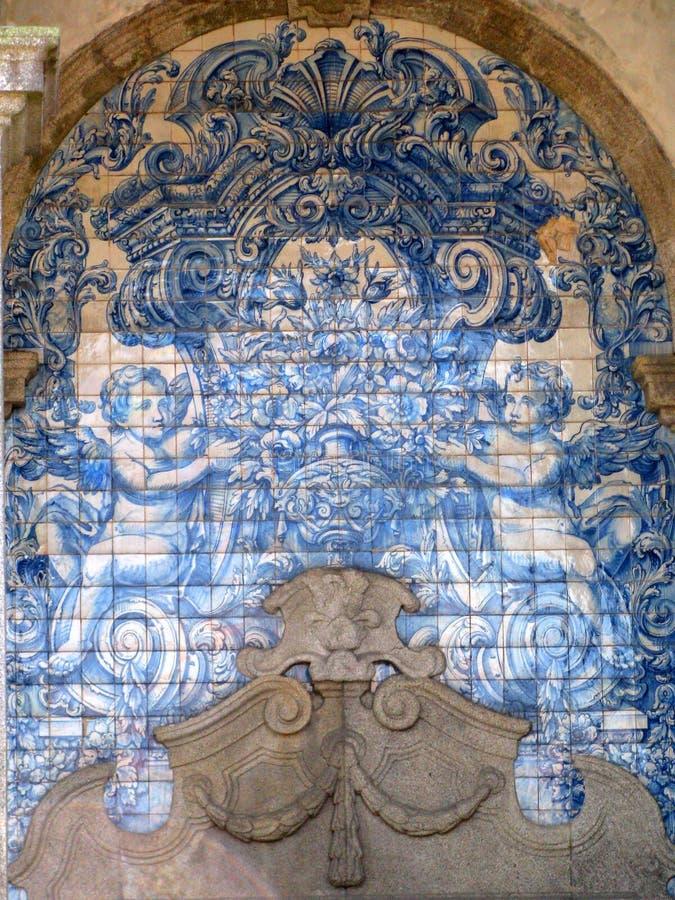 Teja portuguesa tradicional Azulejo, Oporto, Portugal imagen de archivo libre de regalías