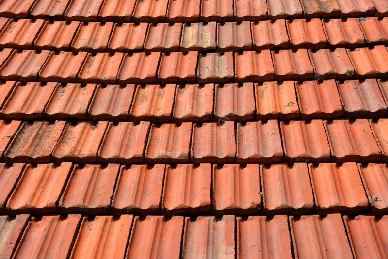 Teja roja vieja de la textura del tejado fotografía de archivo