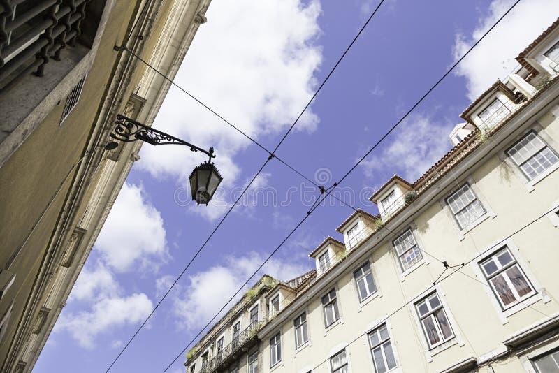 Teja típica de la fachada en Lisboa imagen de archivo