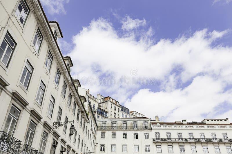 Teja típica de la fachada en Lisboa fotos de archivo