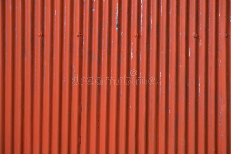 Tejado acanalado del metal para la fábrica, textura oxidada del metal fotografía de archivo