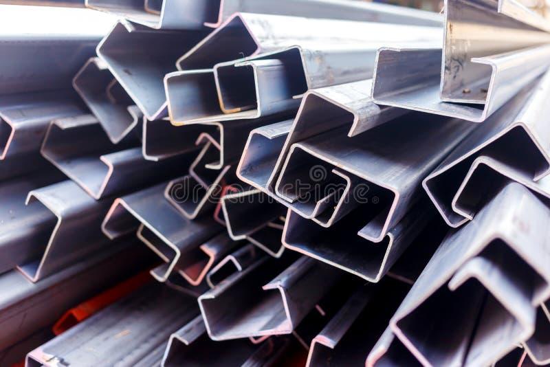 Tejado de acero para el trabajo casero de la construcción foto de archivo libre de regalías