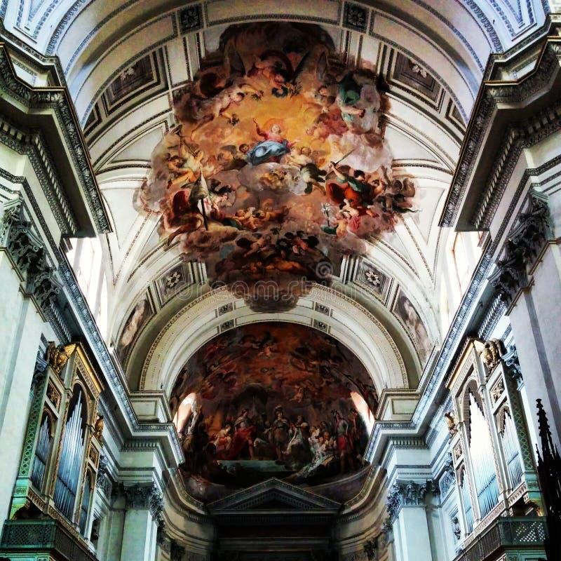 Tejado de la catedral en Palermo fotografía de archivo